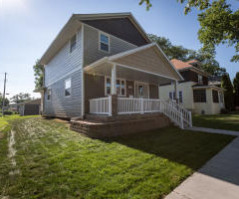 1218 6th St S, La Crosse, WI 54601