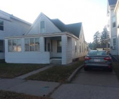 136 11th ST S, La Crosse, WI 54601
