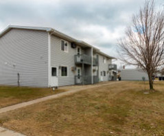 1428 Redfield St Apt 2, La Crosse, WI 54601