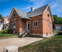130 North St 130 B, Fountain City, WI 54629