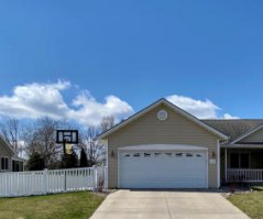 1926 Crooked Ave, Holmen, WI 54636