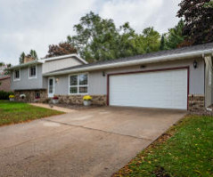 504 8th Ave N, Onalaska, WI 54650