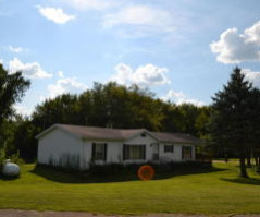 S5660 Meadow LN, Genoa, WI 54632