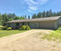 W2541 Davis Creek Rd, Melrose, WI 54642
